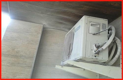 عملیات اطفای آتش در بالکن آپارتمان مسکونی در بلوار دیلمان/آتش نشانی رشت